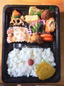 まんま弁当(中)538円(税込み:税率8%)